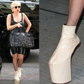 Lady Gaga zapatos 1